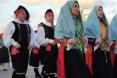 Traditional costumes: the fashions of the past
